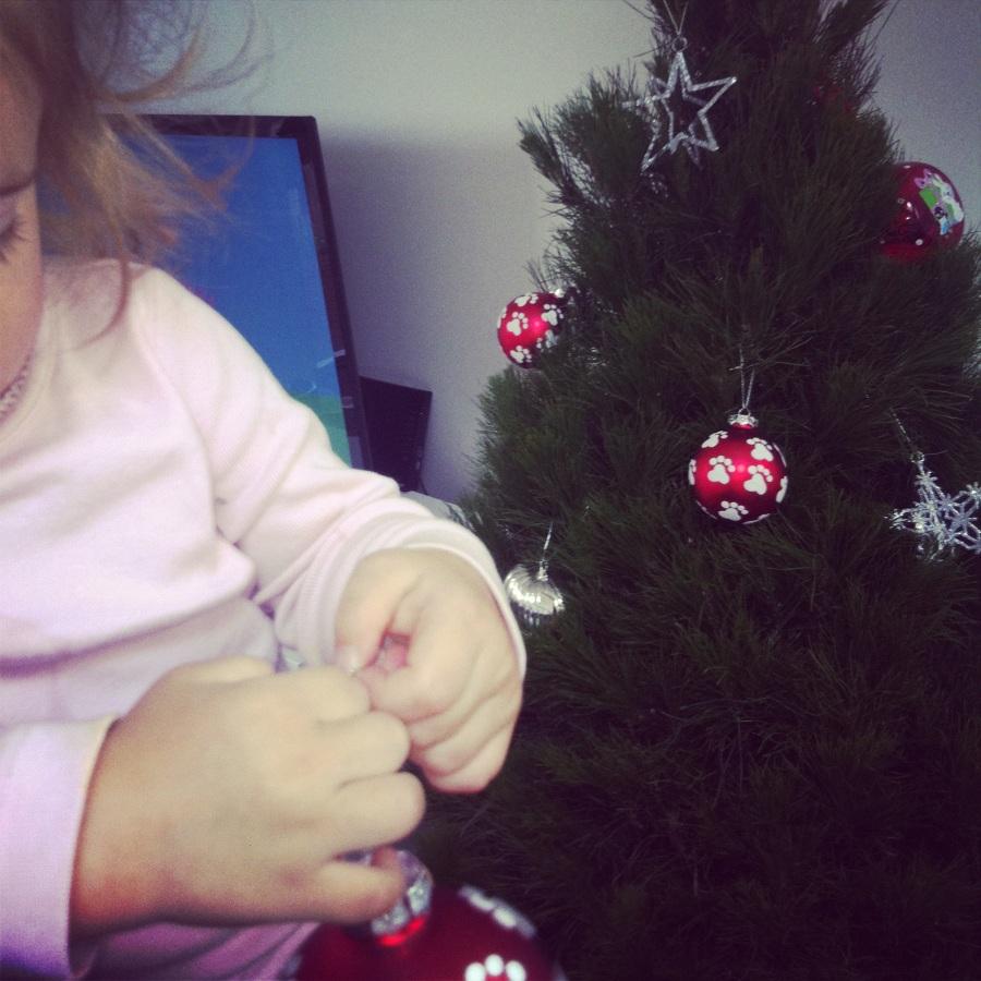 uh oh christmas tree 002