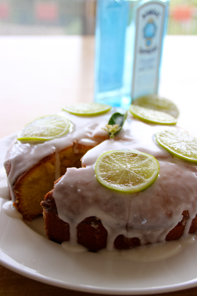 Tasty Tuesday {gin and tonic cake}