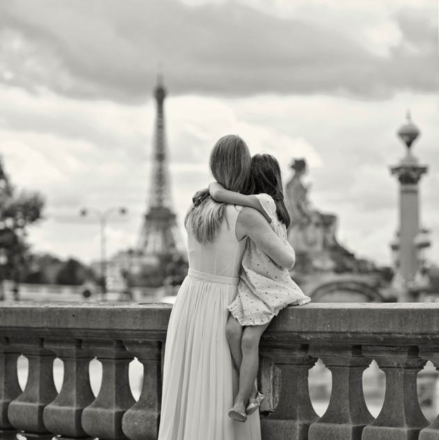 mother daughter paris